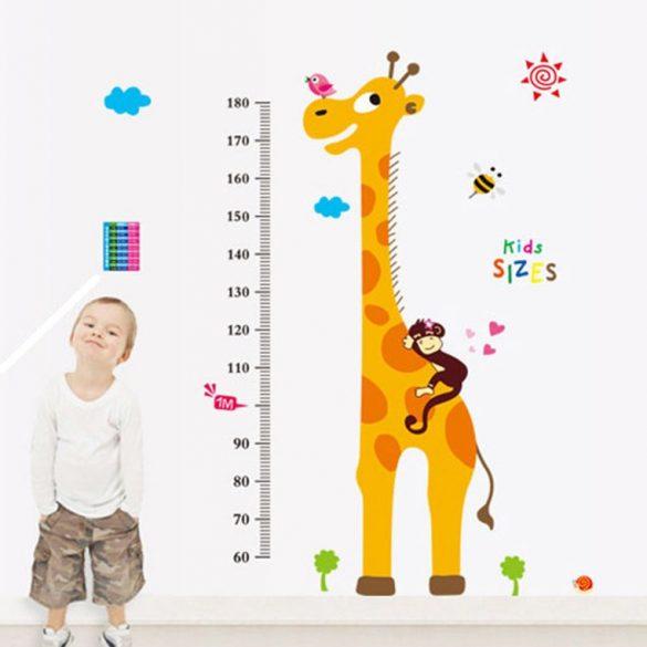Égig érő zsiráf és barátai magasságmérő falmatrica
