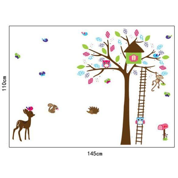 Őzike és más erdei állatok kilátóval