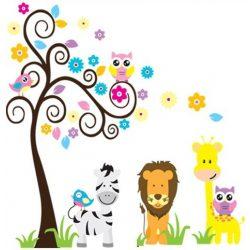 Oroszlán, zebra a baglyok fája mellett