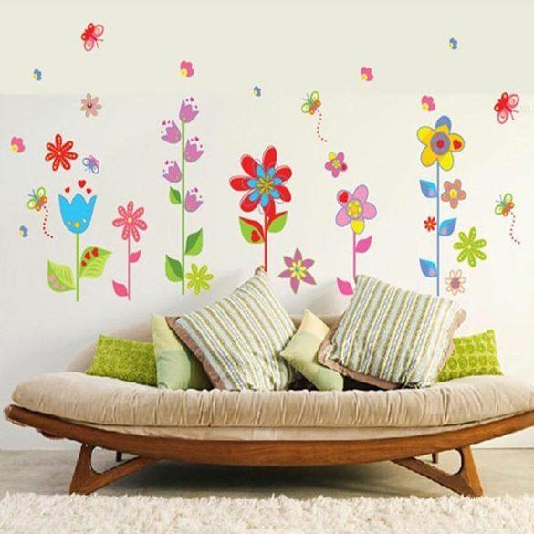 Virágoskert pillangókkal falmatrica